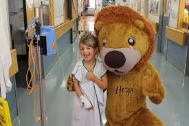 Hospi the lion, children